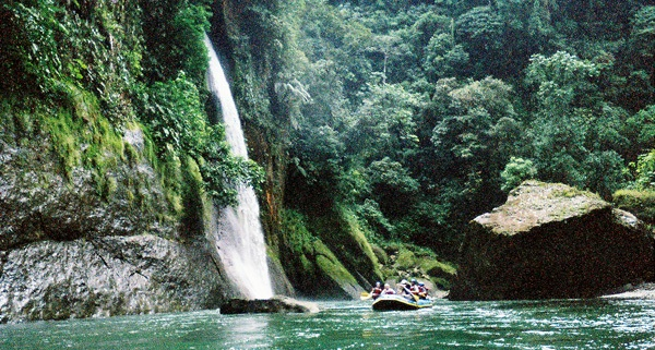 Rio Pacuare Travel Package